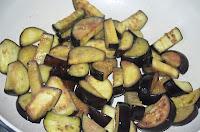 Соте из овощей: Баклажаны обжарить