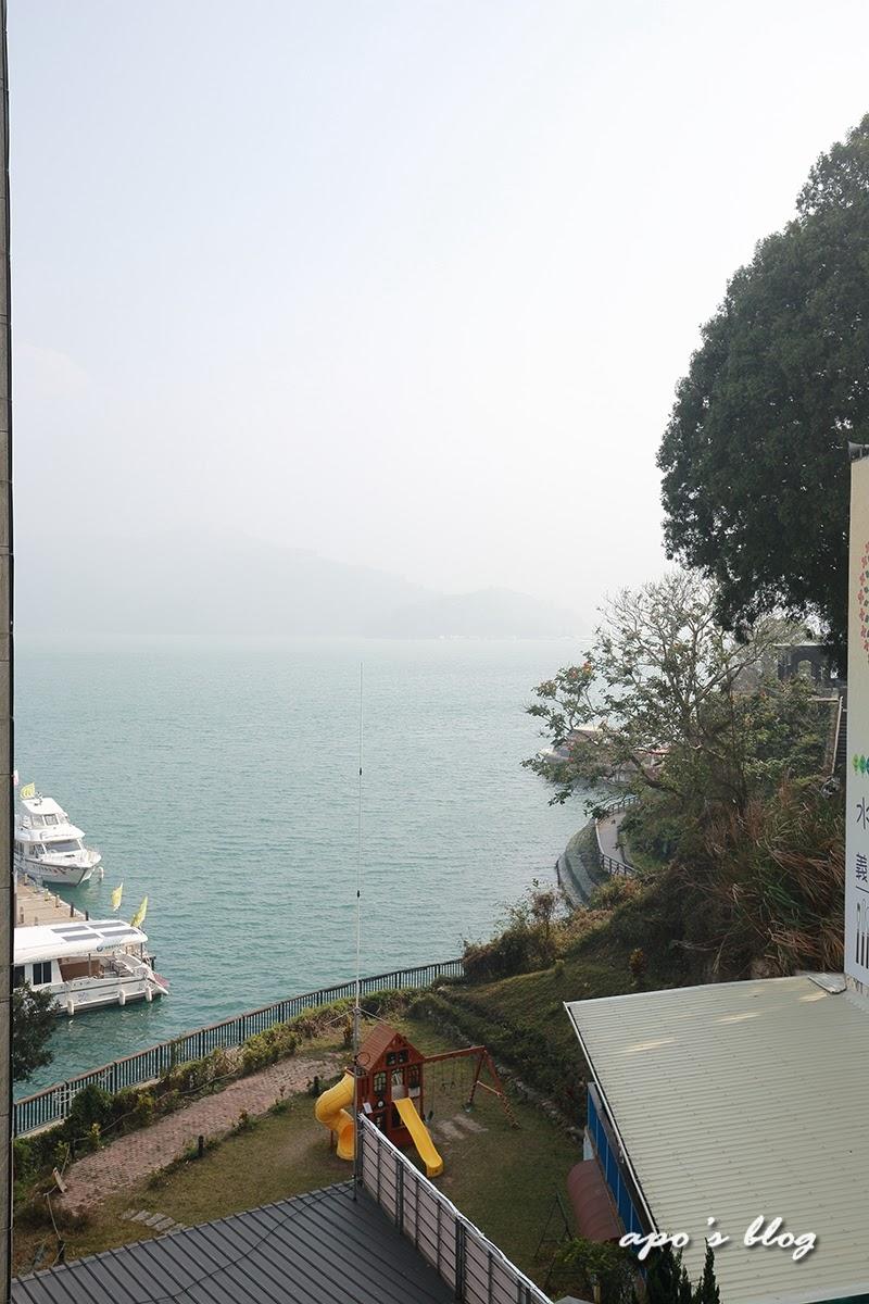 吾居宿-側湖景客房看出去的湖景一角