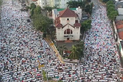 """Sebuah Gereja """"Dikepung"""" Umat Islam Saat 'Idul Fitri, Ternyata Ini di Indonesia lho..."""