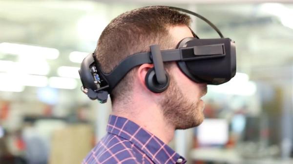 فيسبوك تعتزم إطلاق استراتيجية جديدة لتعميم استخدام الواقع الافتراضي