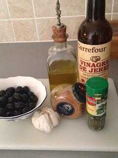 Aceitunas negras aliñadas, ingredientes 2