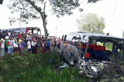 Kecelakaan Tiga Bus Dan Satu Mobil Di Ngawi, Sembilan Orang Luka-Luka