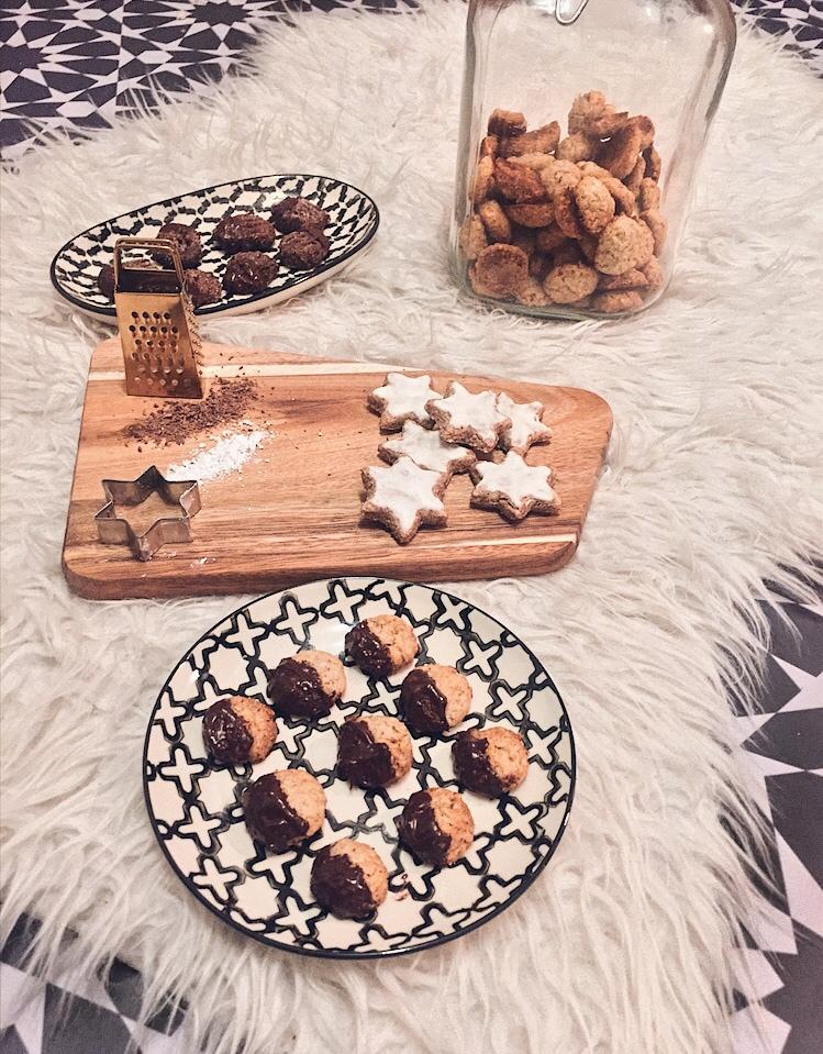 Weihnachtsplätzchen glutenfrei Zimtsterne Bärentatzen Haferschokokekse Rezept und Atrafloor Erfahrungsbericht