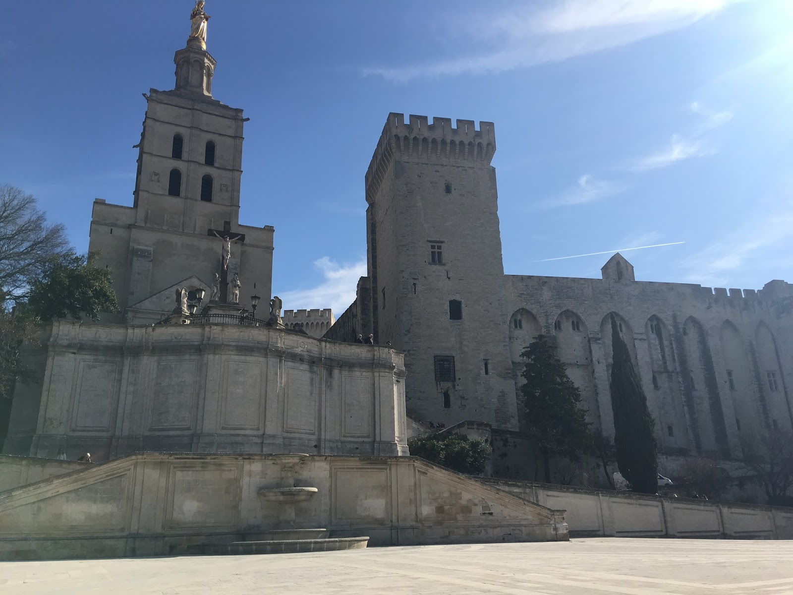 Travel: Un tour de la France en Cinq jours - Part 3: Avignon | Hollie In Wanderlust
