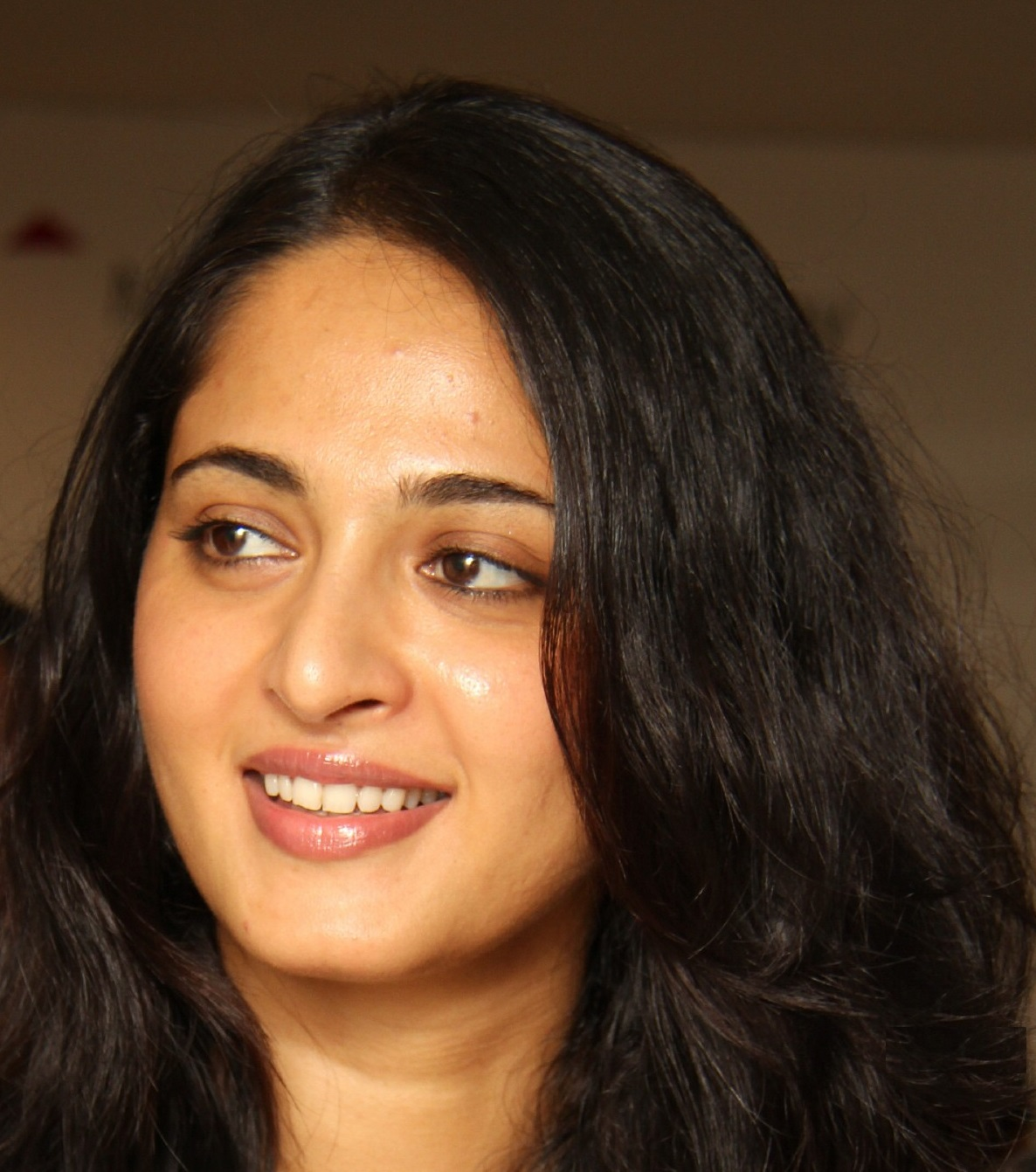 Anushka Shetty Gorgeous Face Close Up Stills