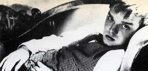 Truman Capote en la contraportada de Otras voces, otros ámbitos
