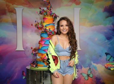 839b5e1949c34 A atriz Larissa Manoela comemorou na noite desta quarta-feira (30) seus 18  anos com um festão em São Paulo. O namorado Leonardo Cidade não participou  da ...