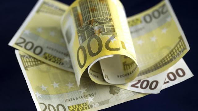 Το ευρώ βυθίζεται και απαιτείται η δημιουργία μιας σχεδίας για να αποφύγουμε τους καρχαρίες