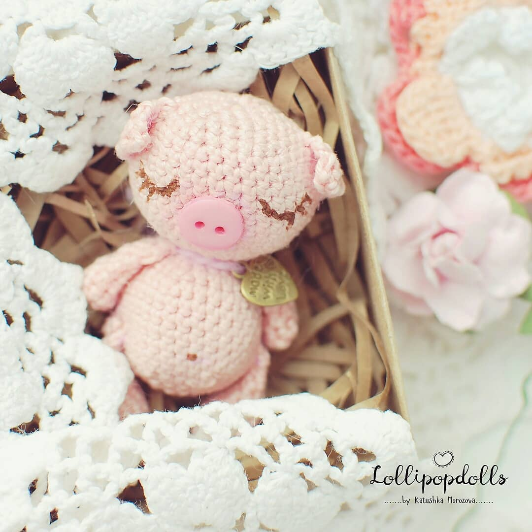 Amour Fou   Crochet }: { Baby Rattles: Three Little Pigs + Wolf... }   1080x1080