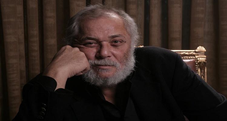 أخر ما رأه الفنان محمود عبد العزيز قبل موته بساعة ...واخر طلب له كان غريب جداً