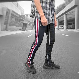 contoh model Celana Pencil Track Pants Warna Hitam Dan Garis Putih Merah pria