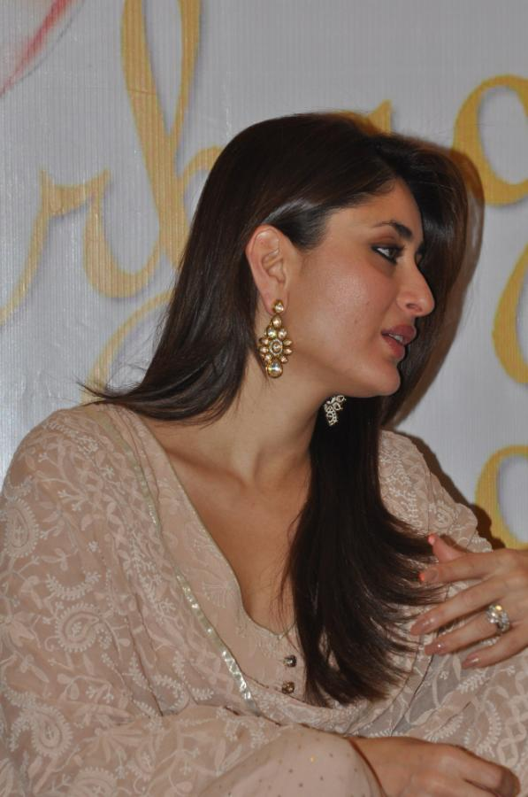 Kareena Kapoor Khan Close Up Hot Photos
