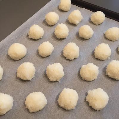 Rochers à la noix de coco avant cuisson