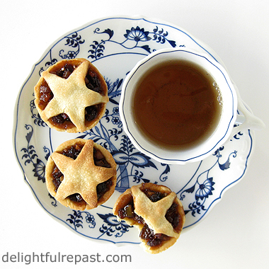 Mince Pies (tartelettes) - A British Classic with Easy Sweet Shortcrust Pastry / www.delightfulrepast.com