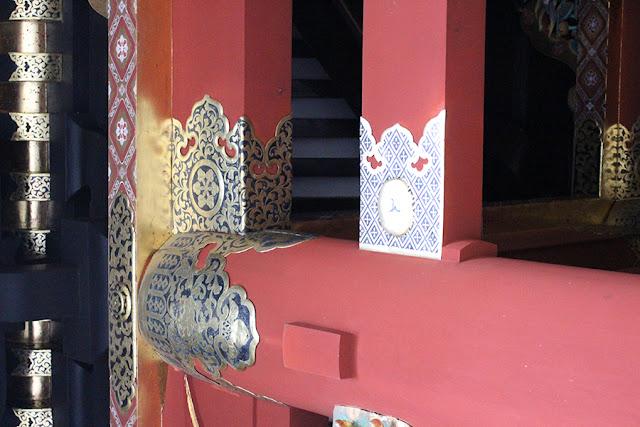 détail dans le Taiyuin-byo, temple bouddhiste - Nikko, Japon