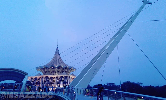 Jambatan Darul Hana or Kuching Waterfront New bridge - Footbridge across Sarawak River | Meaning, Architect