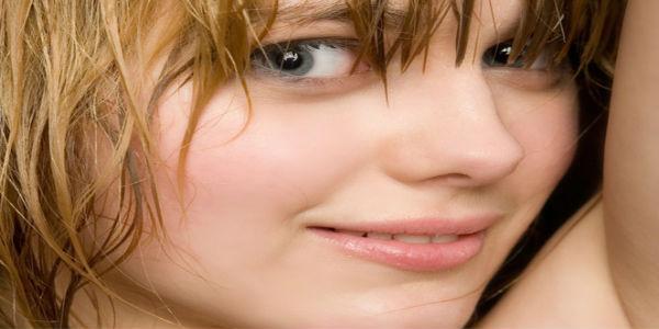 Cara merawat bibir agar halus dan lembab sepanjang waktu