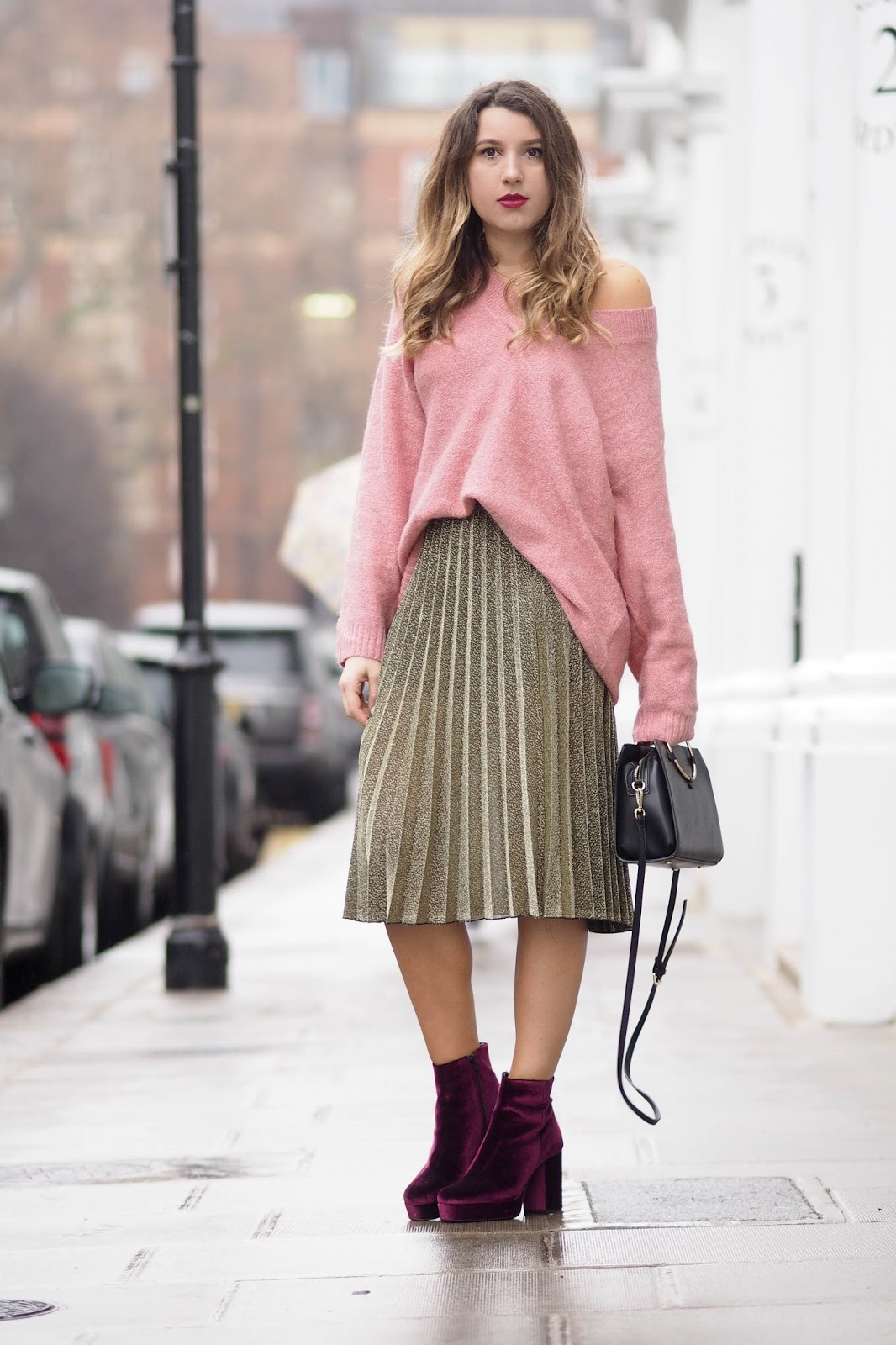 53fa2dac0d96 Oversized Jumpers And Pleated Midi Skirts | What's In Her Wardrobe ...