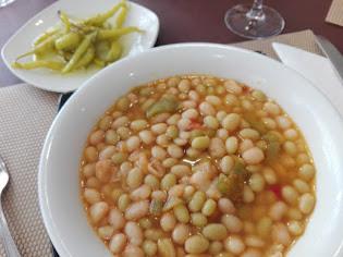 Pochas frescas con verduras a la Navarra