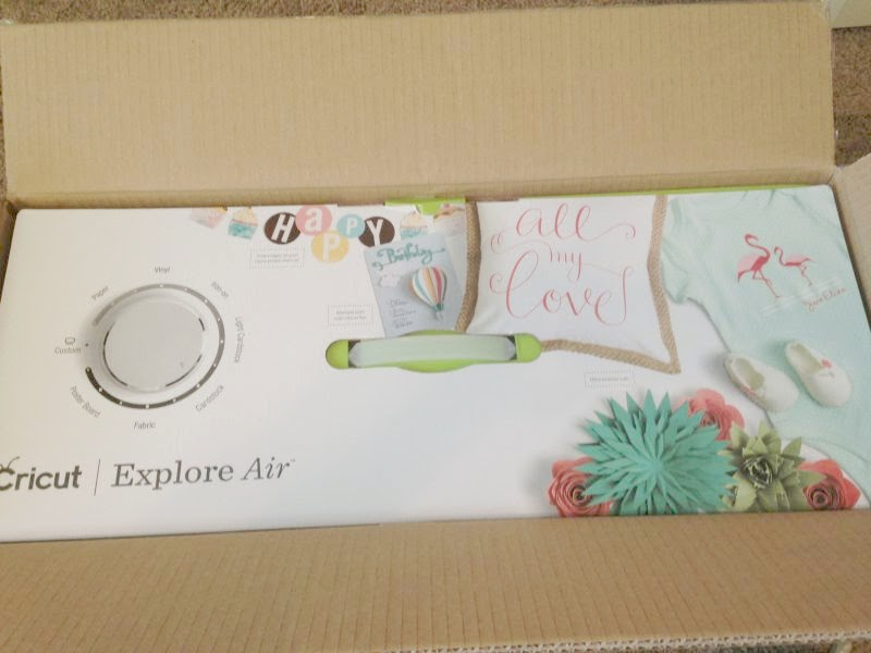 Cricut Explore Air Out of the Box - machine box