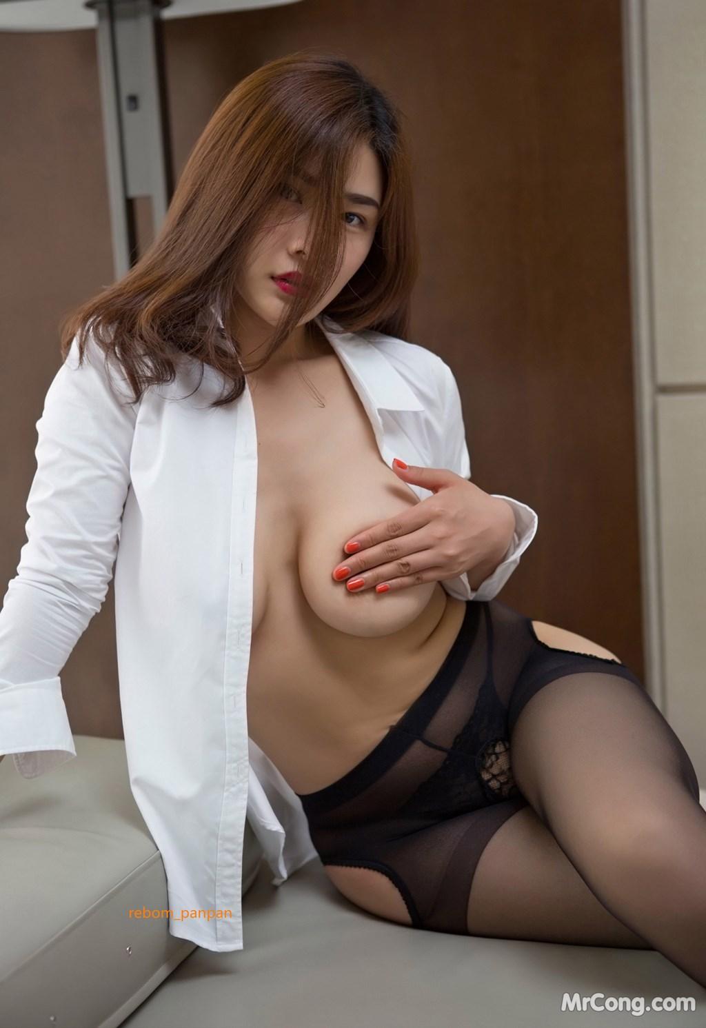 Image Yan-Pan-Pan-Part-4-MrCong.com-032 in post Người đẹp Yan Pan Pan (闫盼盼) hờ hững khoe vòng một trên giường ngủ (40 ảnh)