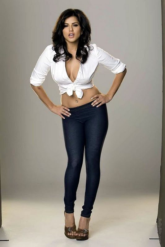 Sunny Leone Hot Photoshoot 2012  Hot Celebrities All Over The World-8755