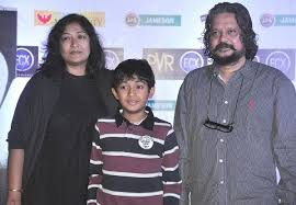 Amole Gupte Family Wife Son Daughter Father Mother Age Height Biography Profile Wedding Photos
