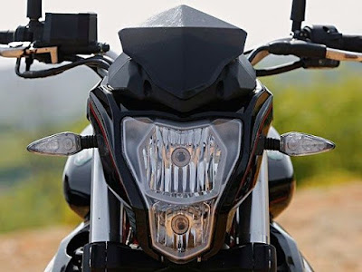 Benelli TNT 300 front headlight