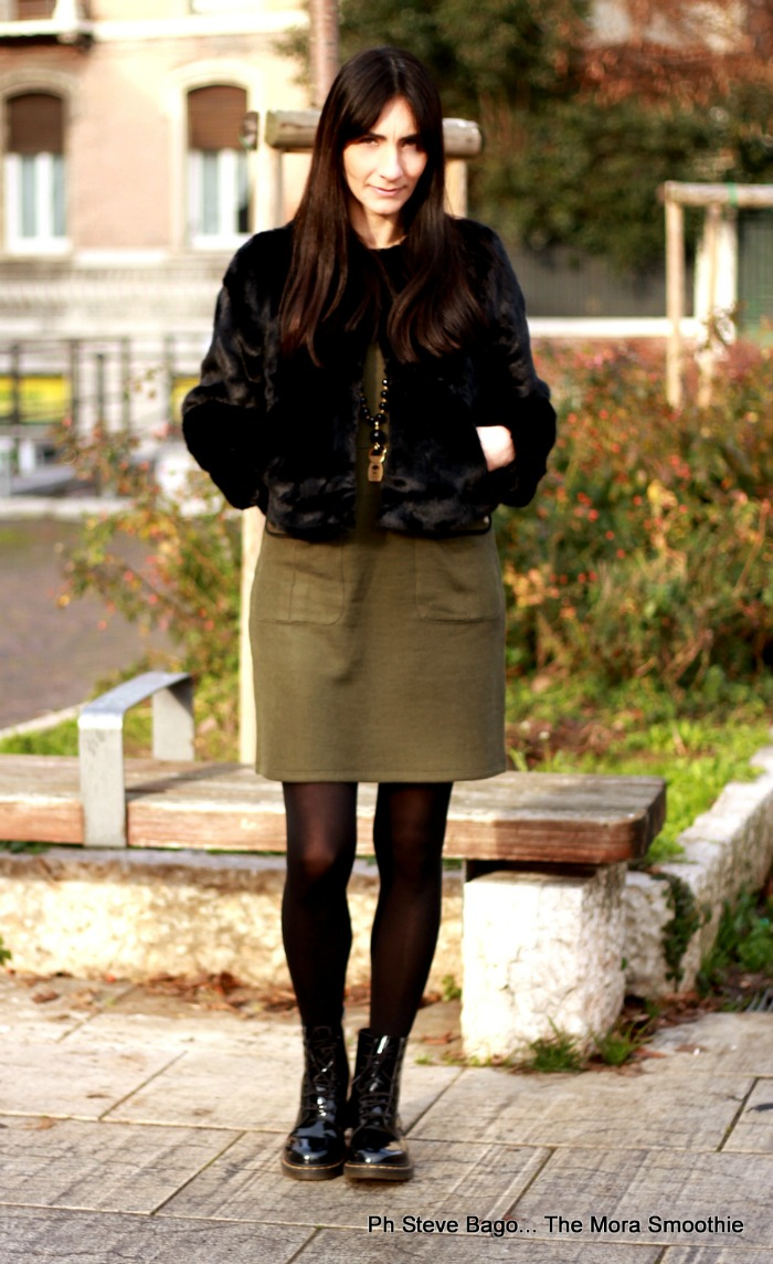 fashion, fashionblog, fashionblogger, paola buonacara, outfit, look, ootd, lookoftheday, aeronautica militare, serene, serenelle, collana, abito, dress, abito felpa, necklace, collana portafortuna, outfit inverno, italian blogger, italian fashionblogger, fashion blogger italiana, web influencer, web influencer italiana, photography, natale, regalo di natale, regalo di natale donna, regalo di natale portafortuna