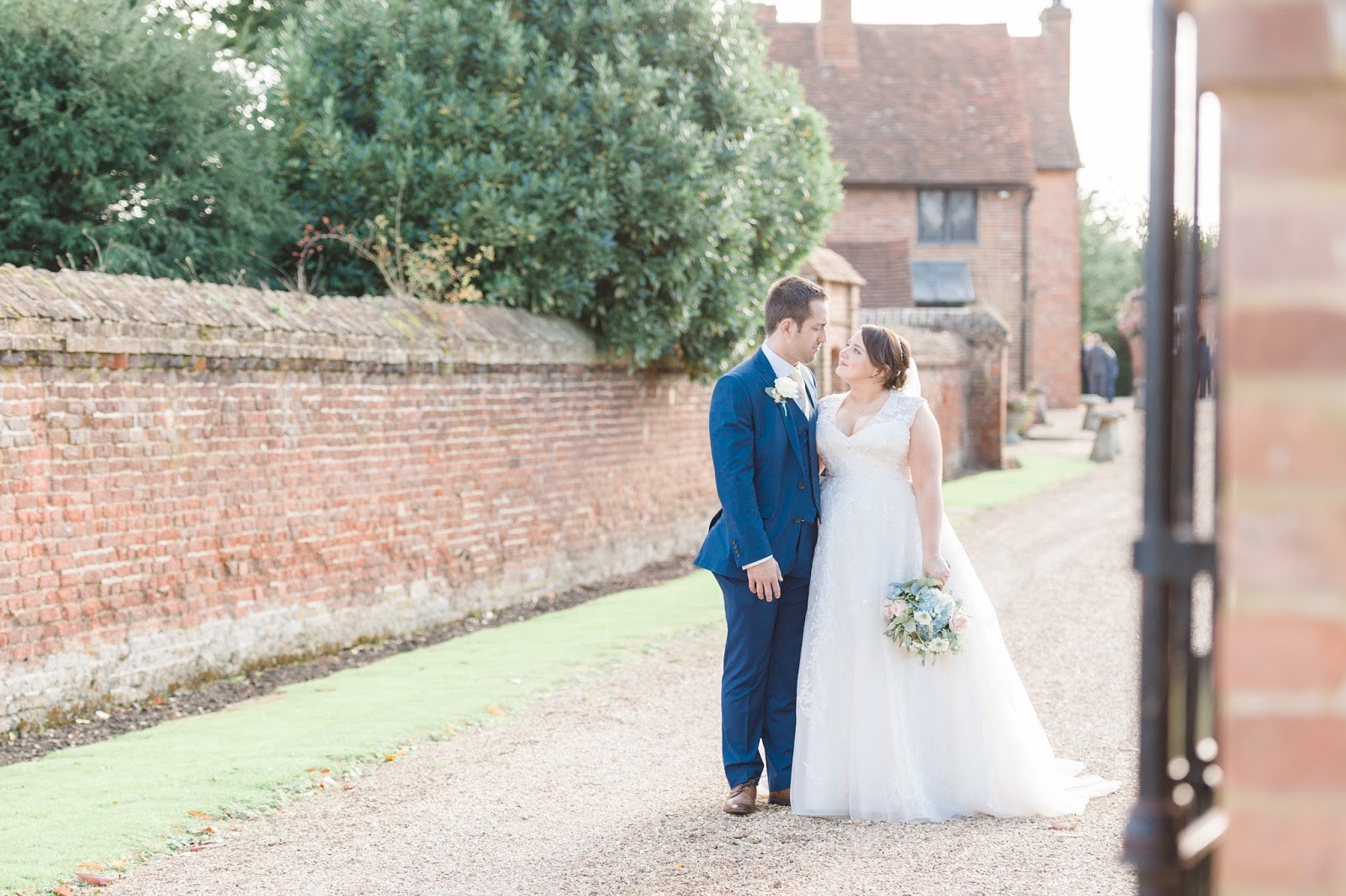 What To Look For When Booking A Wedding Photographer