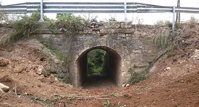 Αργολίδα: Εντυπωσιακό πέτρινο γεφύρι αποκάλυψαν τα έργα του Αναβάλου στο Λυγουριό