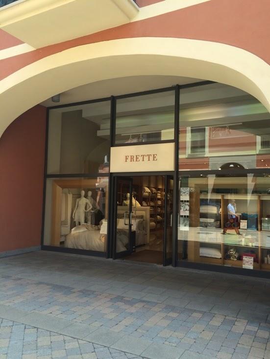 Milan outlet serravalle designer outlet for Outlet near milan
