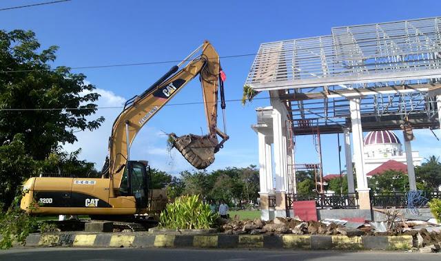 FOTO: Dianggarkan Rp10,15 M, Lapangan Pancasila Palopo Mulai Diratakan