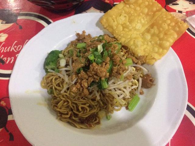 Tahukok Yen-yen & Mie Ayam