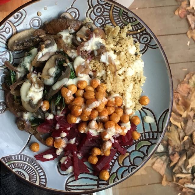 mama eats plants beet + quinoa buddha bowl