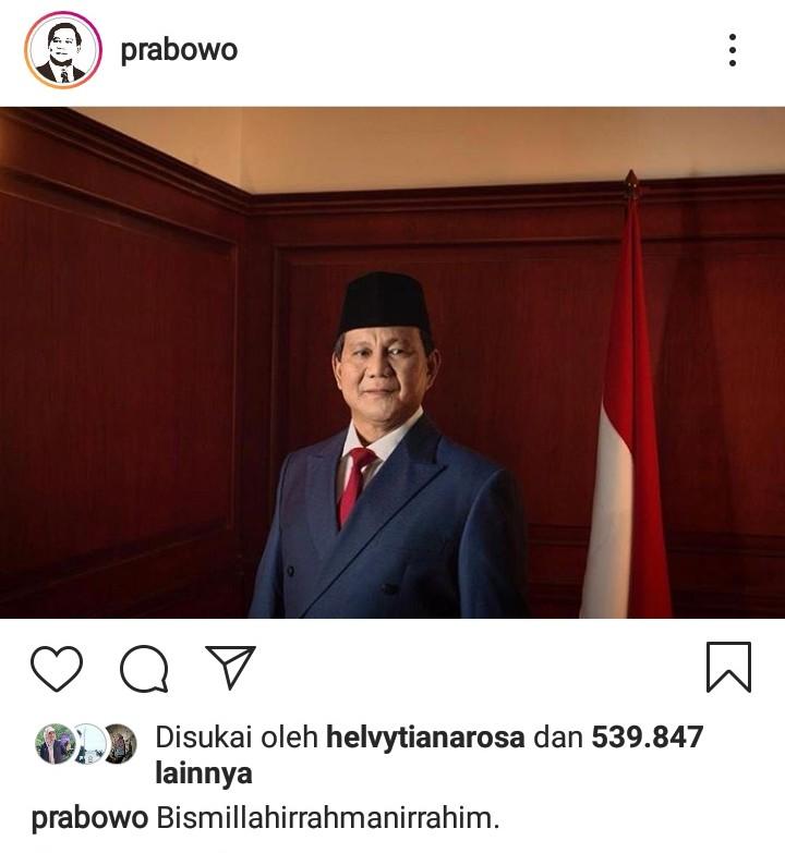 Unggah Foto Ini, Netizen Sebut Detik-Detik Prabowo Presiden