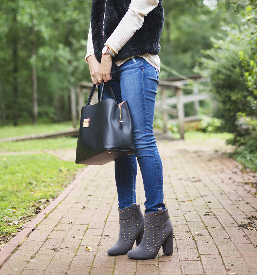 how to style grey ankle boots, ag the legging jeans,