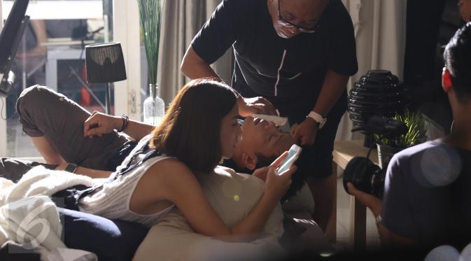 Ada Adegan Ranjang Ariel dan Nina Kozok di Video Klip Terbaru NOAH