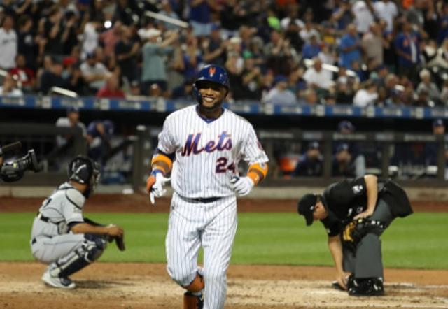 Robinson Canó pegó tres vuelacercas en la victoria de los Mets
