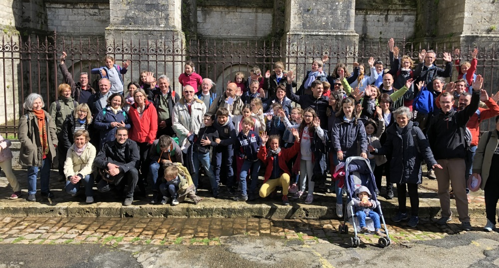 https://www.saintmaximeantony.org/2019/05/pelerinage-de-chartres-nous-y-etions.html