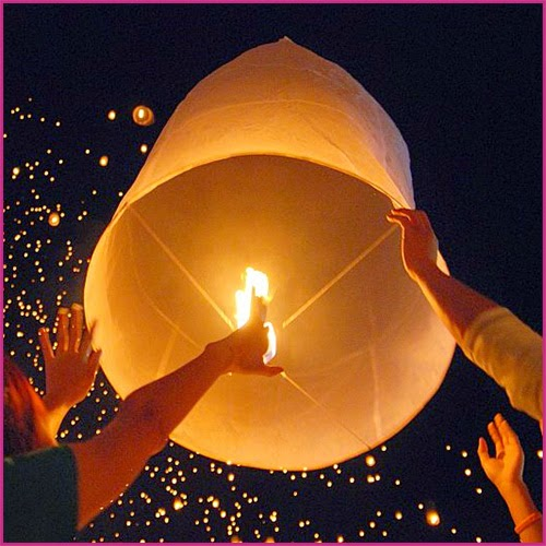 Love is in the air... SKY LANTERNS!