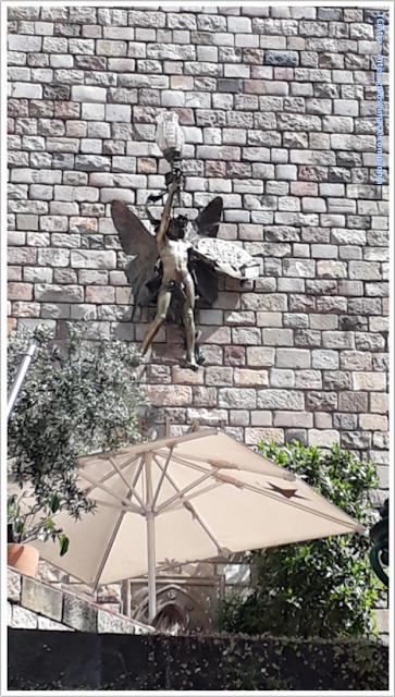 Barcelona; Conhecendo a Europa; sem guia; turismo na espanha; Bairro Gótico; muralhas medievais;