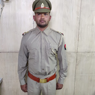 Fake Police Inspector Arrested By Police Uttar Pradesh