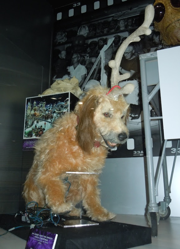 Max animatronic dog The Grinch
