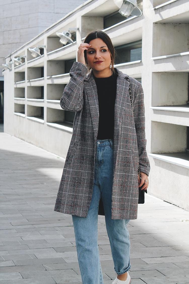 abrigo de cuadros zapatillas plataforma