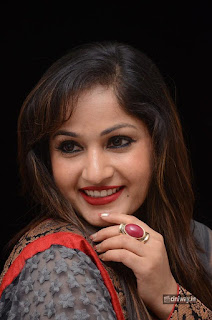 Madhavi-Latha-stills-at-Tholi-Premalo-Movie-Audio-Launch