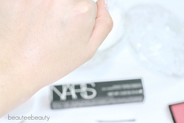 NARS Radiant Creamy Concealer Light 2 Vanilla Swatch Review