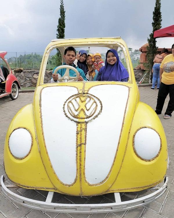 wahana permainan sewa mobil mini di taman ghanjaran trawas