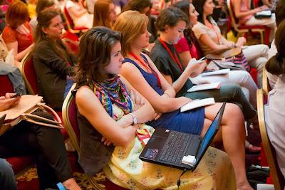 Sunt putine bloggerite in RO?