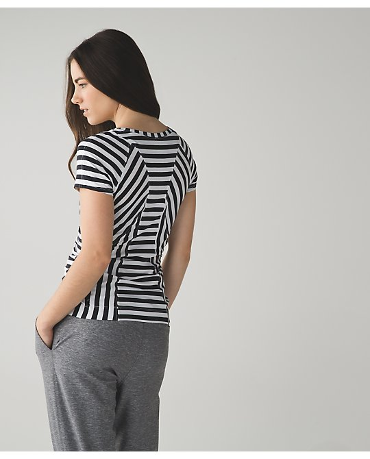 lululemon apex-stripe let-it-be-tee